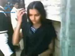 Indian Desi Girl Fufcked And Kissed Out Side Home