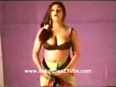 Awesome Desi Nude Stage Sexy dance