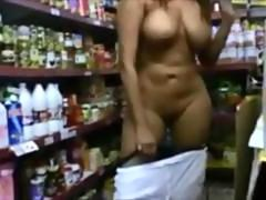Exhibitionist Shows Tits and Pussy