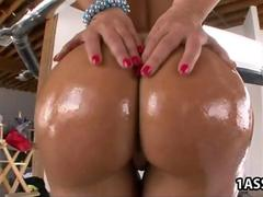 Busty Lisa Ann takes anal dicking to another level