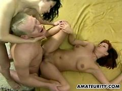 Hot amateur Milfs in a homemade threesome