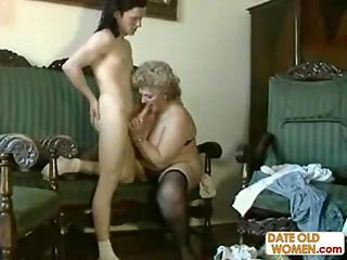 put cock no condom inside old hairy pussy