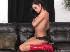 Smoking babe in red boots will get you erect