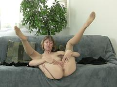 Brit mature slut stripping down and masturbate naked on a couch on her casting audition