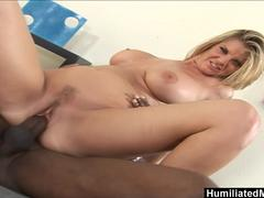 elis feeds her pussy a brutal dildo until she creams